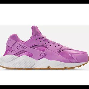Women's Nike Air Huarache Run FG Shoes Fuchsia